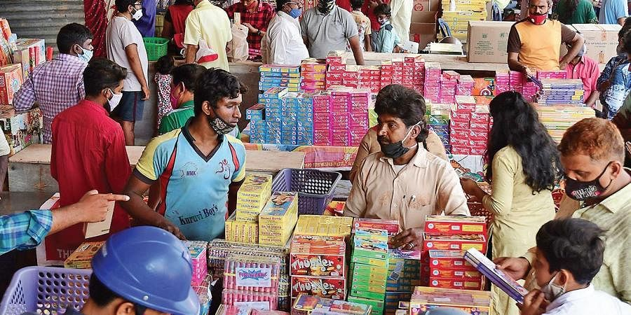 Bengalureans buy green crackers for Diwali at stalls set up in Rajajinagar, on Saturday | Shriram BN