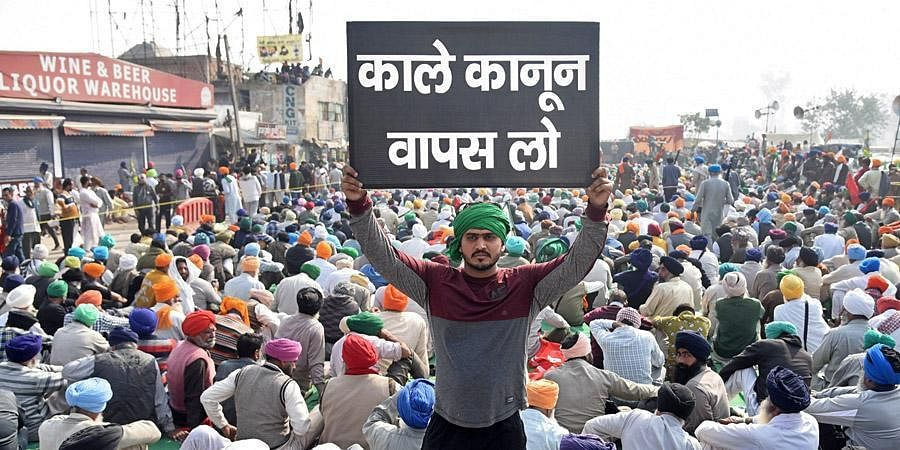 Farmers gather at the Singhu border during their ongoing 'Delhi Chalo' protest. (Photo | Parveen Negi, EPS)