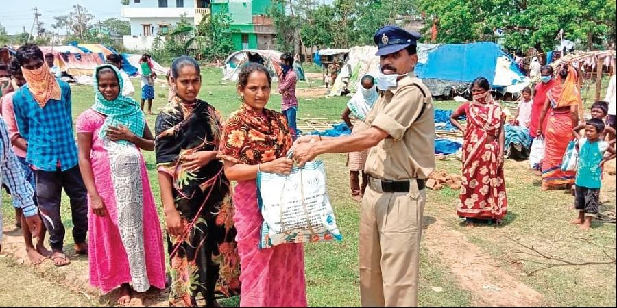 Srikakulam constable spends Rs 10,000every month from his salary on poor
