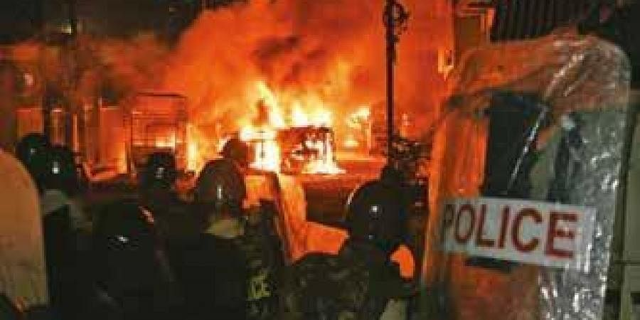 Widespread riots on the night of August 11 in DJ Halli