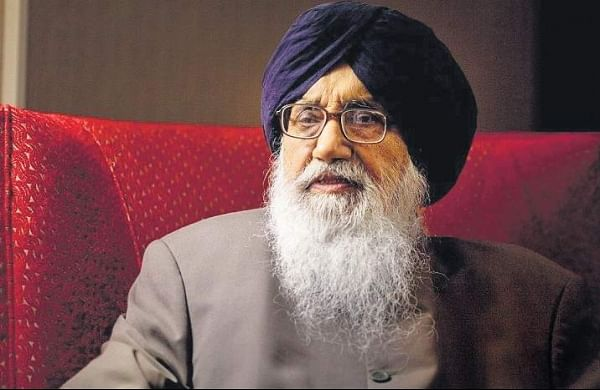 'No point holding the honour': Parkash Singh Badal returns Padma Vibhushan over farm laws