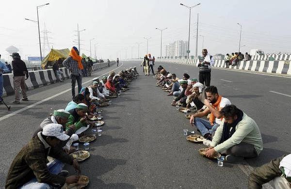 Farmers' stir on at Noida-Delhi border for fourth day