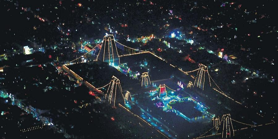 Annamalaiyar Temple dazzling with electric lights on the day of the festival of lights in Tiruvannamalai