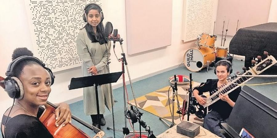 Shilpa (centre) with Anoushka (right) in the studio