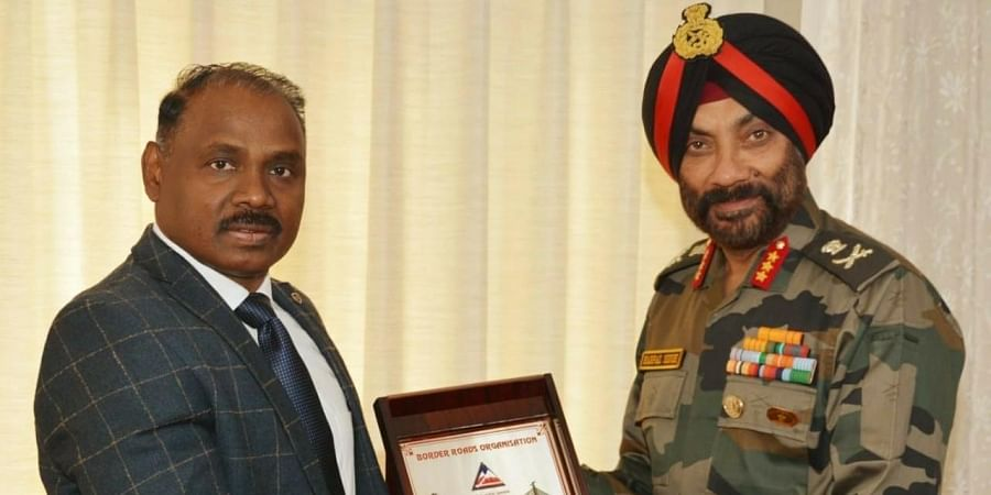Lt Governor of Jammu and Kashmir G C Murmu with Lt Gen Harpal Singh, DG, Border Roads.