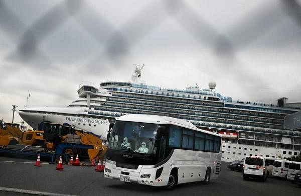 Coronavirus outbreak: Passengers leave Japan quarantined ship as China death toll tops 2,000