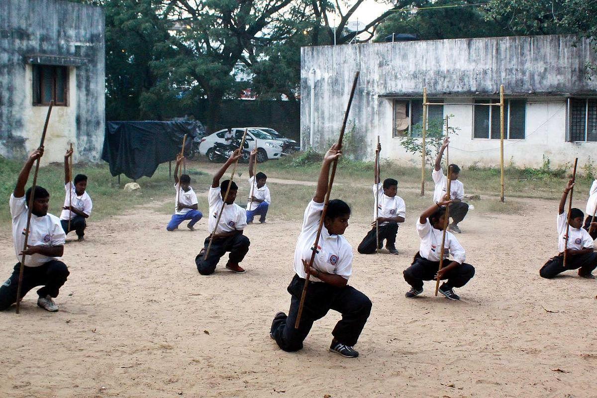 Namakkal youth creates world record in Silambam- The New Indian Express