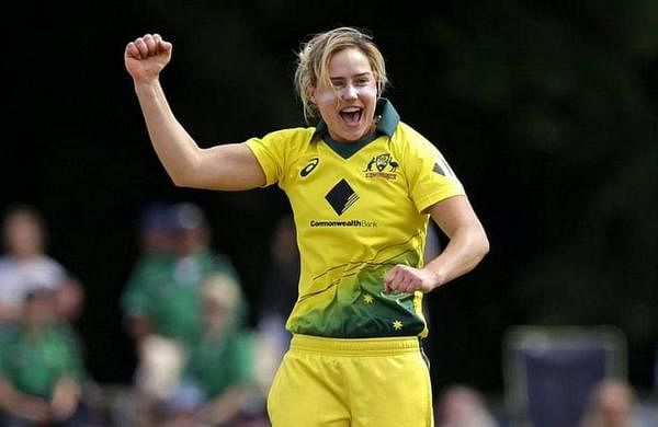 ELLYSE PERRY (AUSTRALIA):One of the world's best all-round sportswomen, Perry not only plays cricket for her country but has won18 caps for the Australian football team, including the 2011 FIFA World Cup. Now devoted entirely to cricket, she is one of Australia's pace spearheads, while also proving her credentials as a genuine all-rounder capable of turning any game. She was the first Australian, male or female, to play 100 Twenty20 internationals.