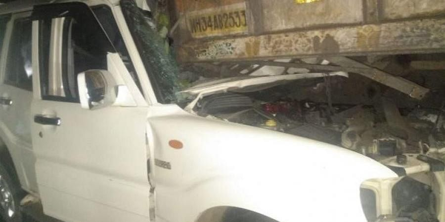 The SUV rammed into the truck at Kesalghat village on Chandrapur-Mul road