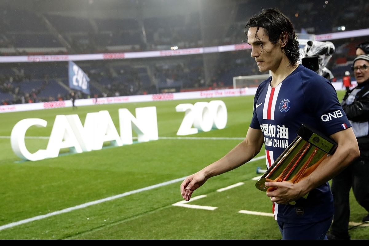 Edinson Cavani Honoured After Completing 200 Goals For Psg The New Indian Express