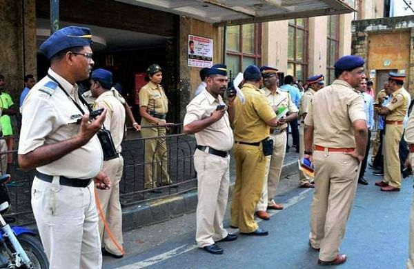 Mumbai goes on high alert after violence over CAA in Delhi