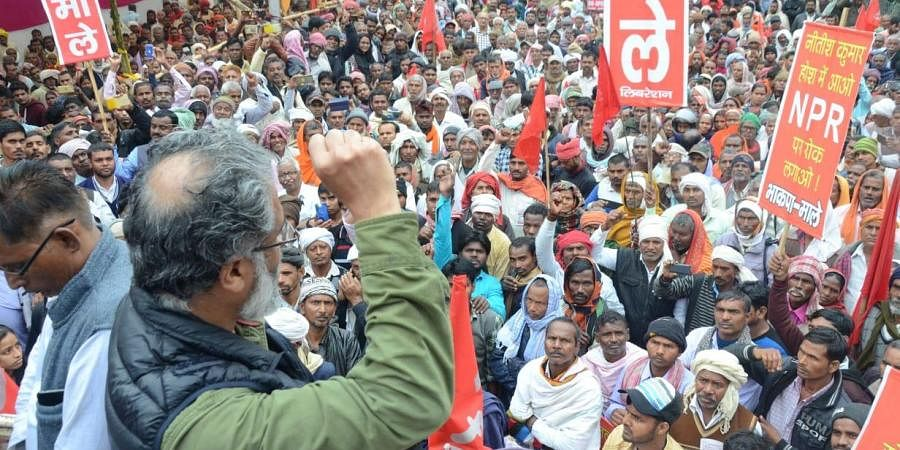 Braving heavy rainfall, the march was led by senior CPI-ML leader Dipankar Bhattacharya, who guided thousands of people as they marchedtowards the Bihar Vidhan Sabha.