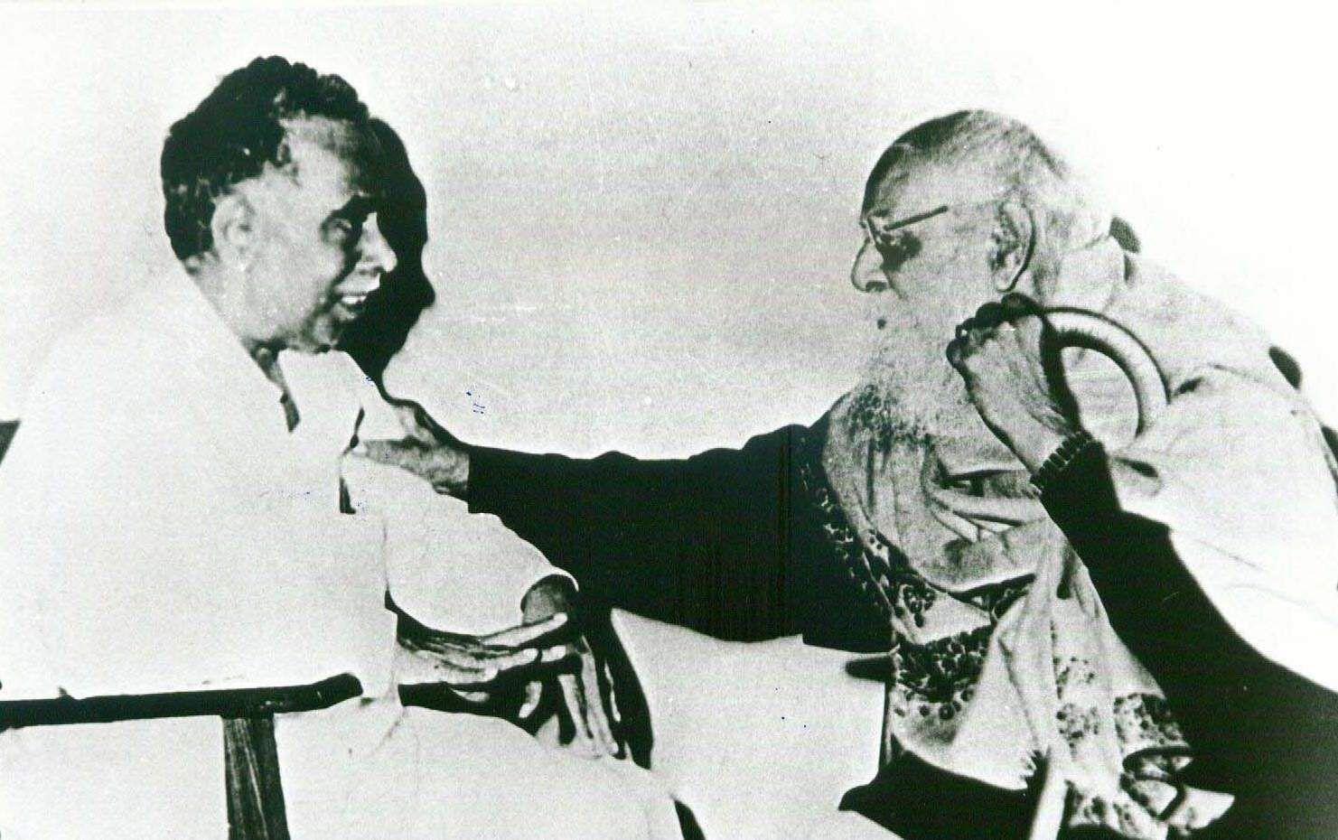Dravidar Kazhagam founder Periyar with Annadurai.