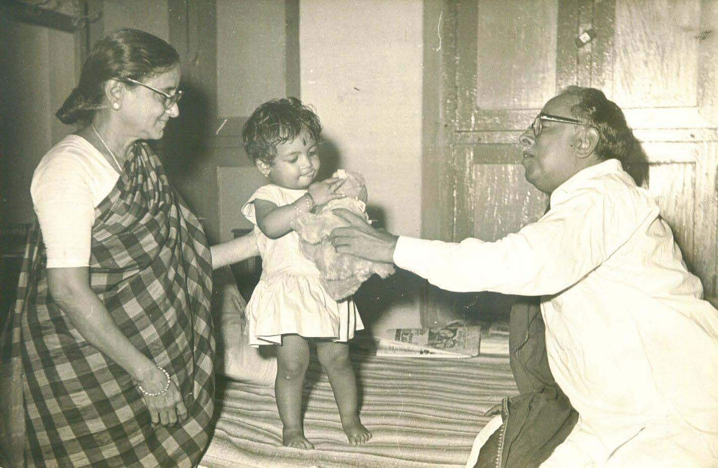 Annadurai CN, former TN Chief Minister with his wife and grand daughter.