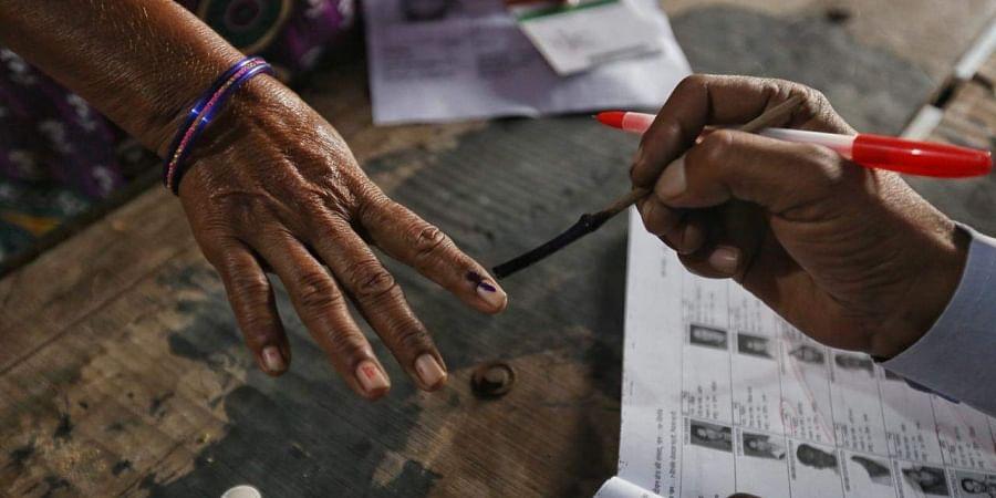 election-voting-inked-finger-photo2
