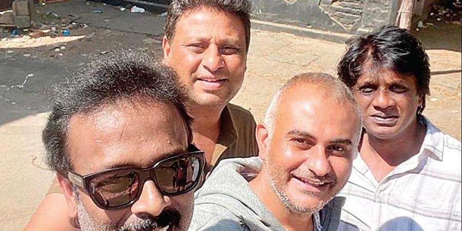 Shivakumar, Srikanth, Duniya Vijay and team
