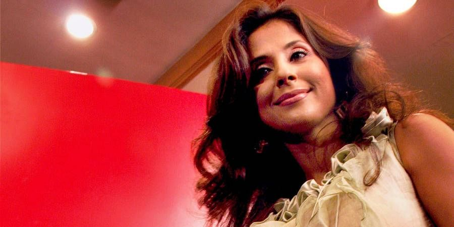 Bollywood actress Urmila Matondkar unveils high intensity focal ultrasound system for permanent fat reduction at Slim Instant Obesity Centre, in Mumbai.