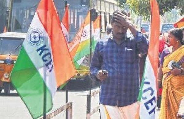 Flagpoles and hoardings on medians pose danger