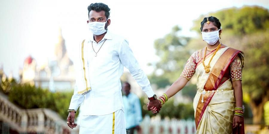 Amid Covid 19 Scare Mysuru Couple Turns Heads With Mask Themed Pre Wedding Shoot The New Indian Express