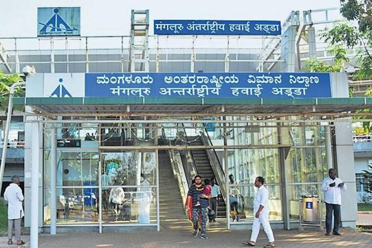 Coronavirus 90 Dubai Mangaluru Flyers Home Quarantined After Co Passenger Tests Positive The New Indian Express