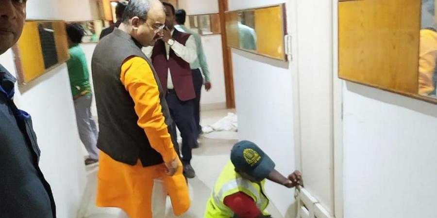 Bihar Health Minister Mangal Pandey with Principal Secretary (Health) Sanjay Kumar inspecting  Pataliputra Ashoka hotel being converted into a mega-quarantine center in Patna