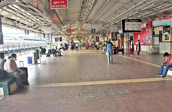 Not ready to open food stalls on railway platforms yet, urge officials not to pressure us: Vendors body