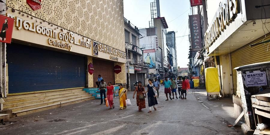 The famous business center - Ranganathan street at T Nagar was closed following the orders of Chennai corporation.