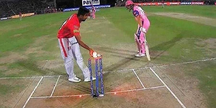 Before delivering the ball, the KXIP captain Ashwin paused and nonchalantly removed the bails and appealed for a run-out.