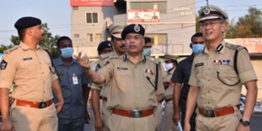 DGP Gautam Sawang inspecting the lockdown in Vijayawada on Tuesday