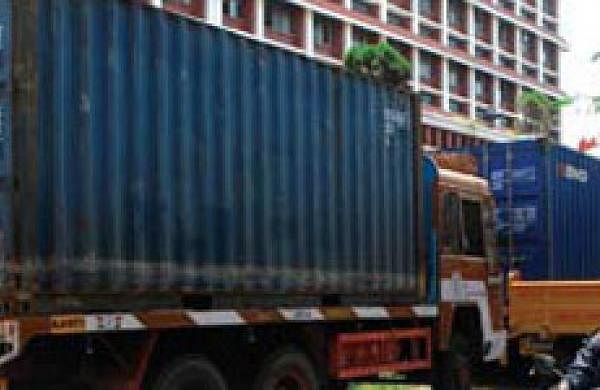 Maharashtra police find 300 migrant workers inside 2 container trucks 'carrying essential goods'