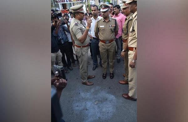 Bike-borne miscreants hurl crude bomb at car in Chennai's Anna Salai