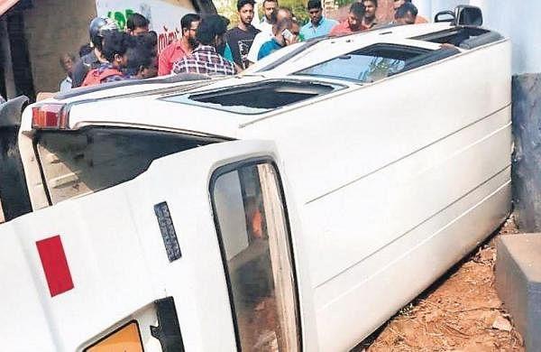 Nursery students escape with minor injuries as school van overturns