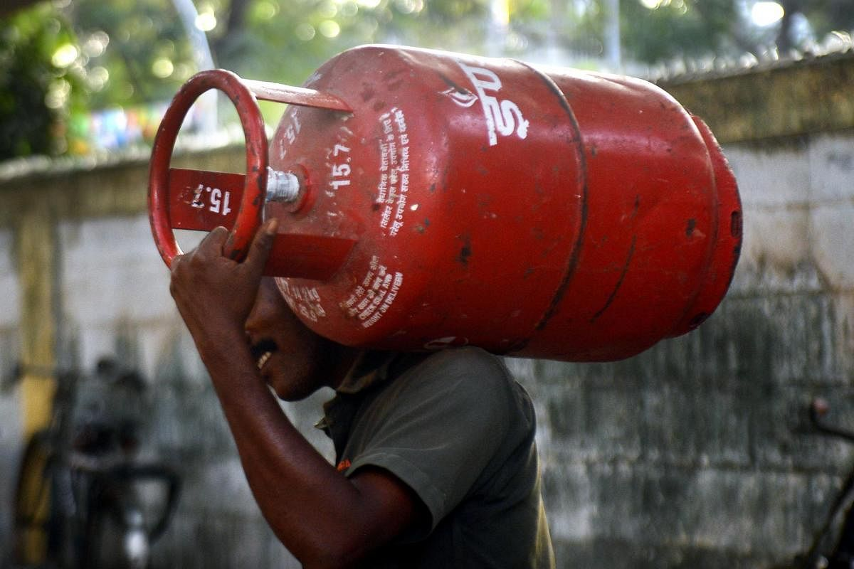 COVID-19: Now, you have to wait 15 days for next refill of LPG cylinder-  The New Indian Express