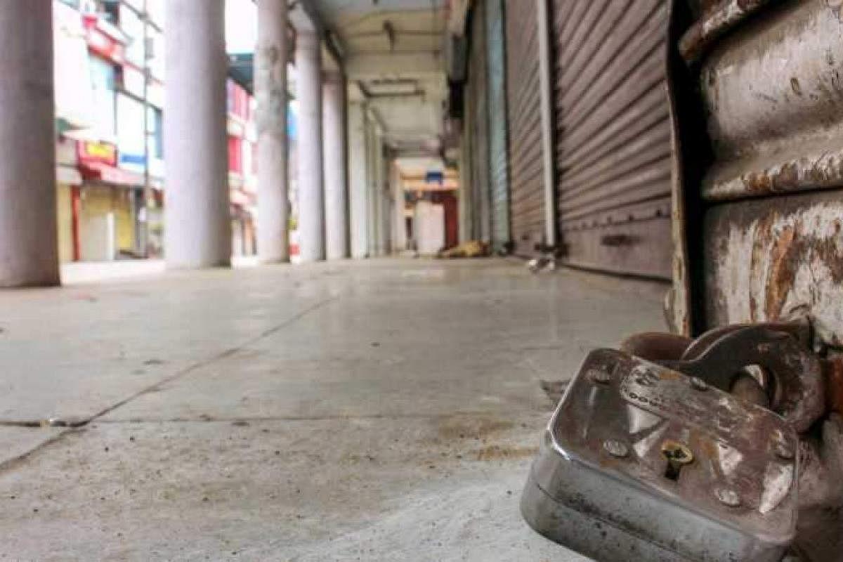 Coronavirus lockdown: 95 per cent of non-food retailers shut shop, stare at  bleak future- The New Indian Express