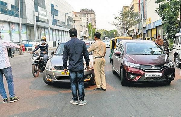 Lockdown violators, cops to seize your vehicles, book commuters