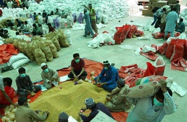 Coronavirus cases in Pakistan reach 1,865, officials scramble to enforce home quarantine
