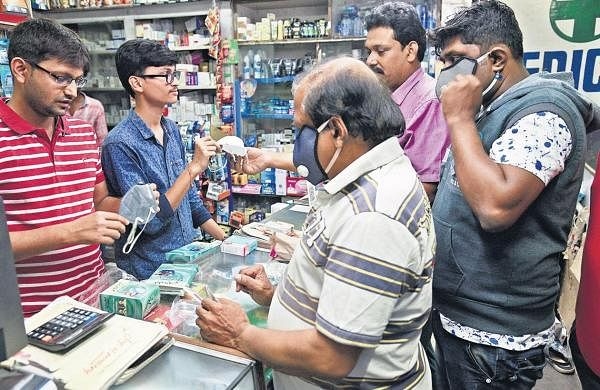 Health officials allay fears of neighbours, counsel them