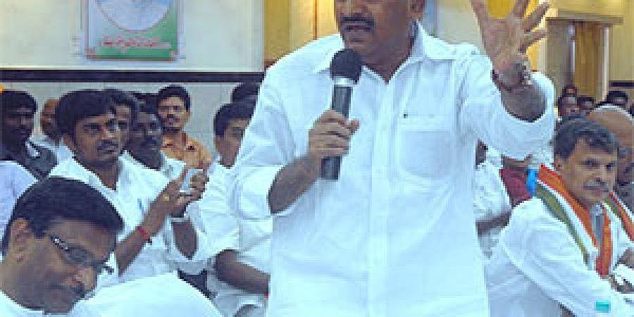 JC Diwakar Reddy addressing a meeting