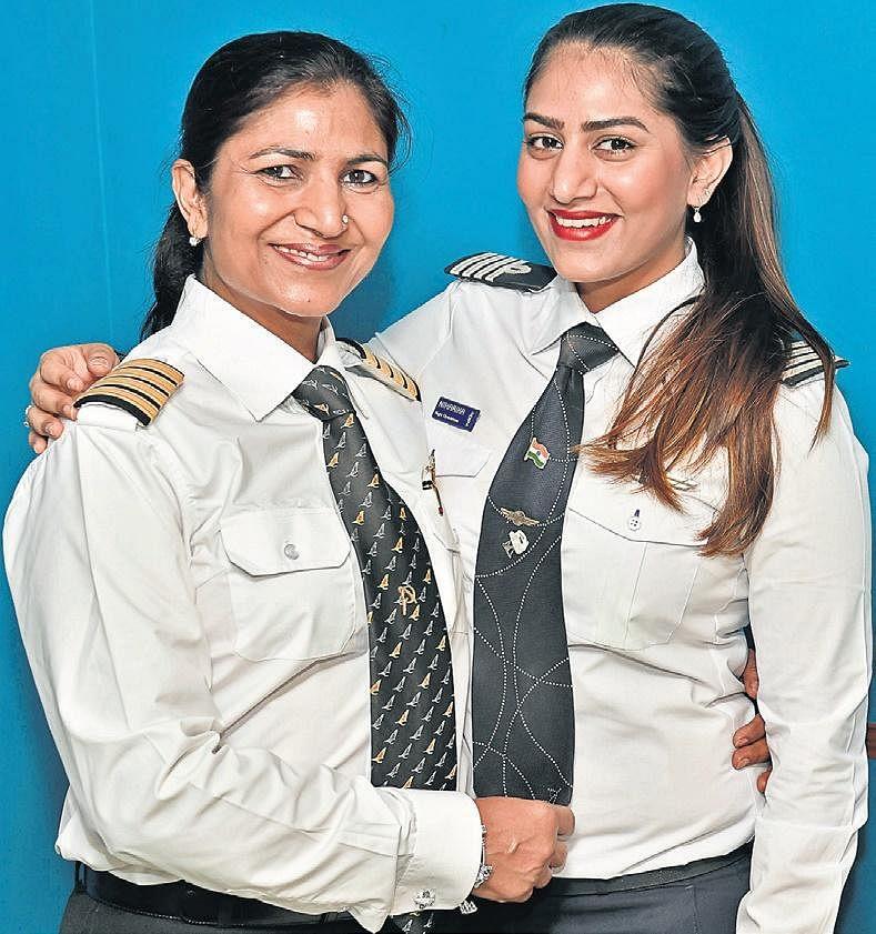 Captain Nivedita Bhasin  with daughter Niharika