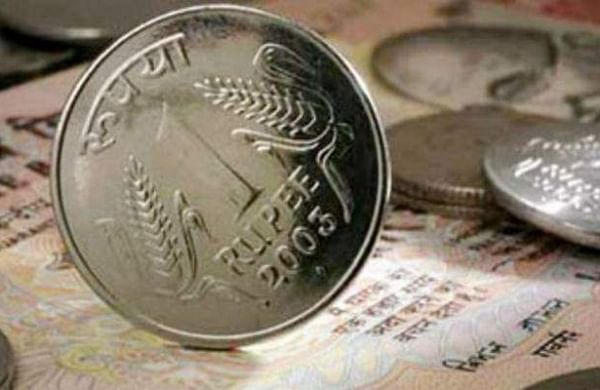 Rupee slips 7 paise to 73.42 against US dollar in early trade