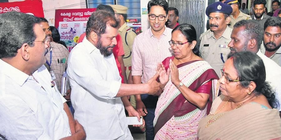 Health Minister K K Shailaja avoiding a hand shake offered by Raju Abraham, MLA, as part of Covid-19 preventive measures, after a review meeting held at Pathanamthitta Collectorate on Sunday. (Photo | Shaji Vettipuram, EPS)