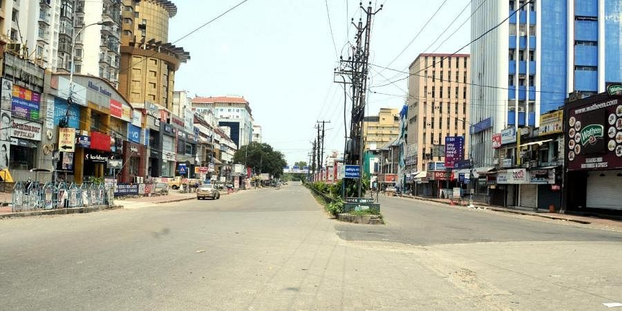Deserted view of  Broad market  in  Kochi  during Janata Curfew. (Photo |Express /A Sanesh)