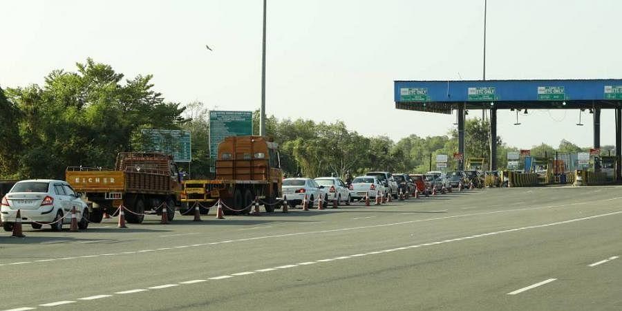 toll plaza, coronavirus lockdown