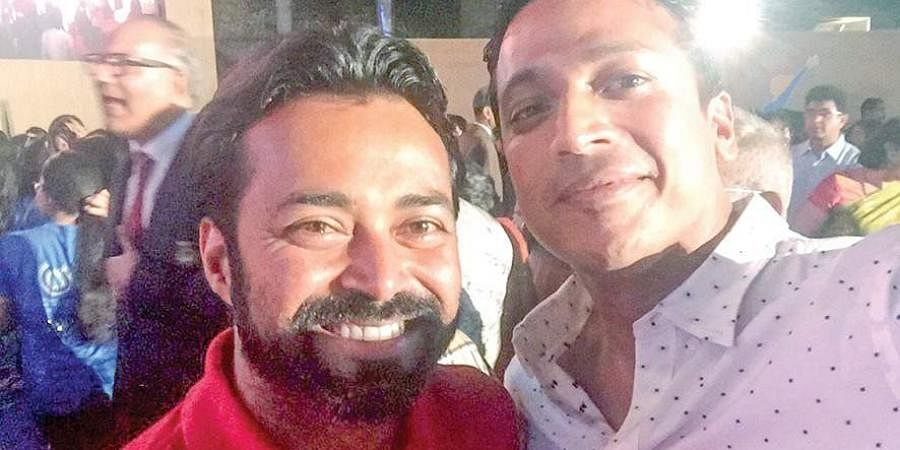 A Leander Paes (L) and Mahesh Bhupathi selfie moment