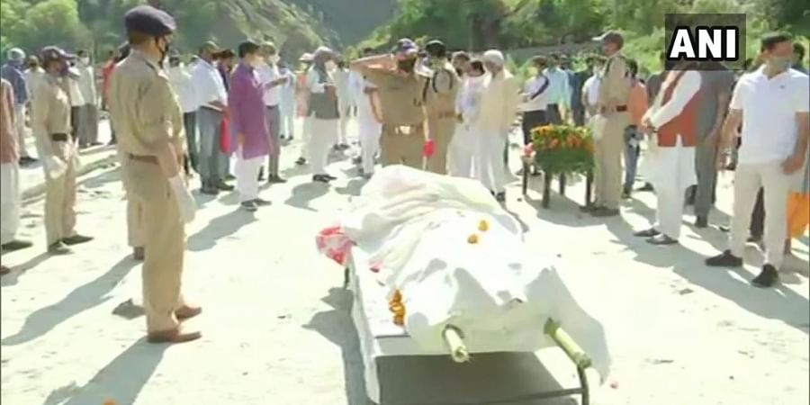 Uttarakhand CM Trivendra Singh Rawat attends the wreath laying ceremony of Uttar Pradesh CM Yogi Adityanath's father who passed away yesterday.