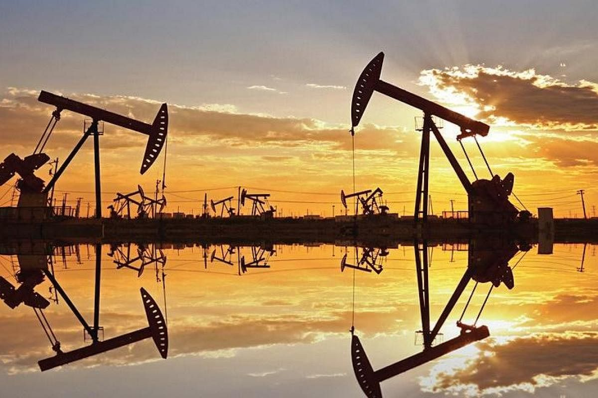 Brent Oil Within Sight of $60 on Expectations for Tight Supply