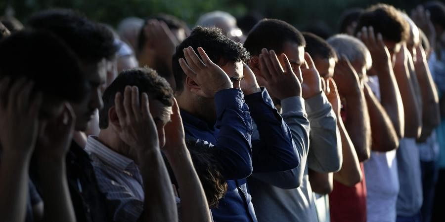 COVID-19: Muslims in Houston urged to do Ramzan prayers ...