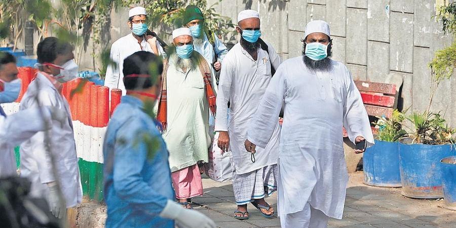 Evacuees from Markaz Nizamuddin being taken to LNJP hospital in New Delhi for COVID-19 test. (Photo | Anil Shakya, EPS)