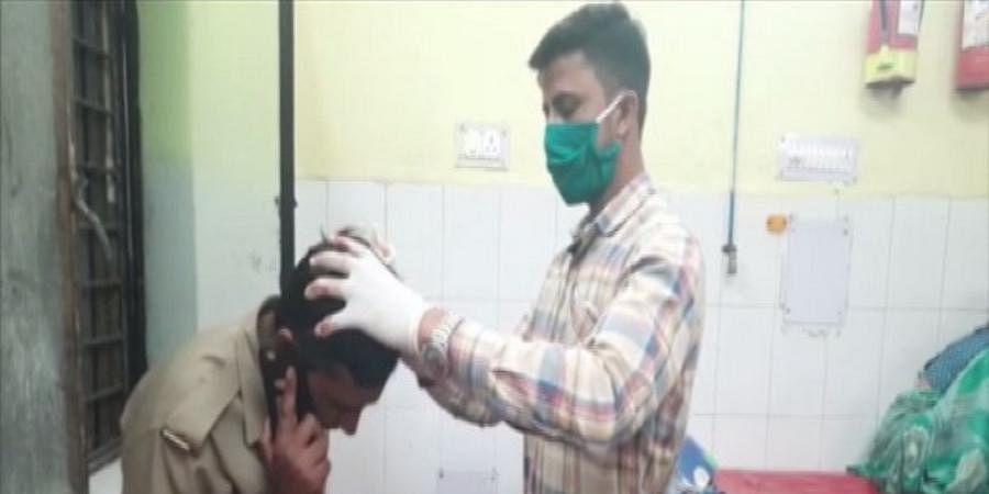 Police were attacked by violators of lockdown in Muzaffarnagar.