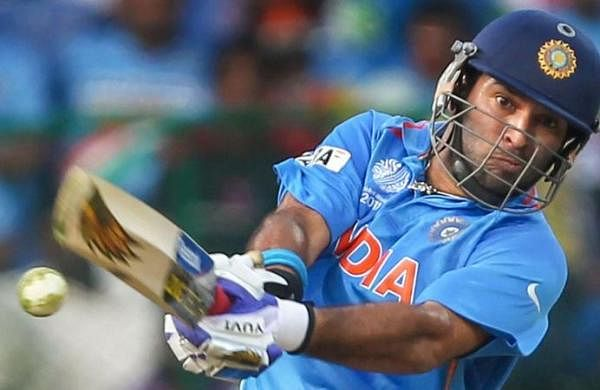 Coronavirus outbreak: Yuvraj Singh applauds policemen for sharing food with needy